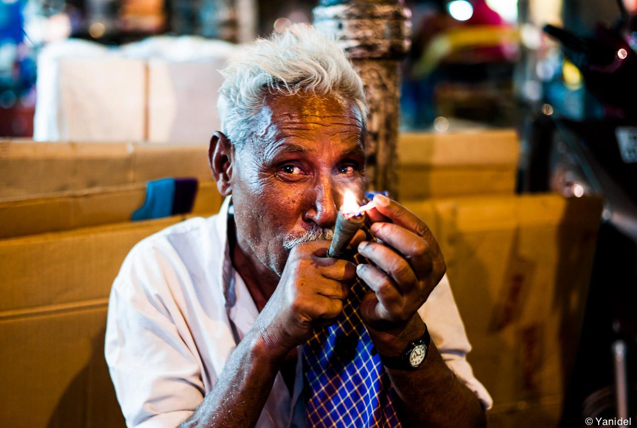 Delhi man cigar