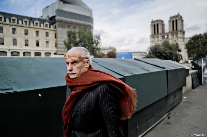 scarf walk Notre Dame Yanidel
