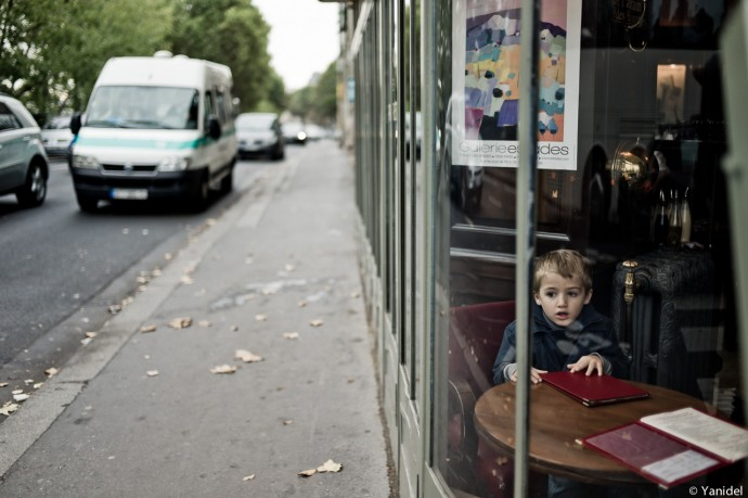 Alone at the restaurant Yanidel